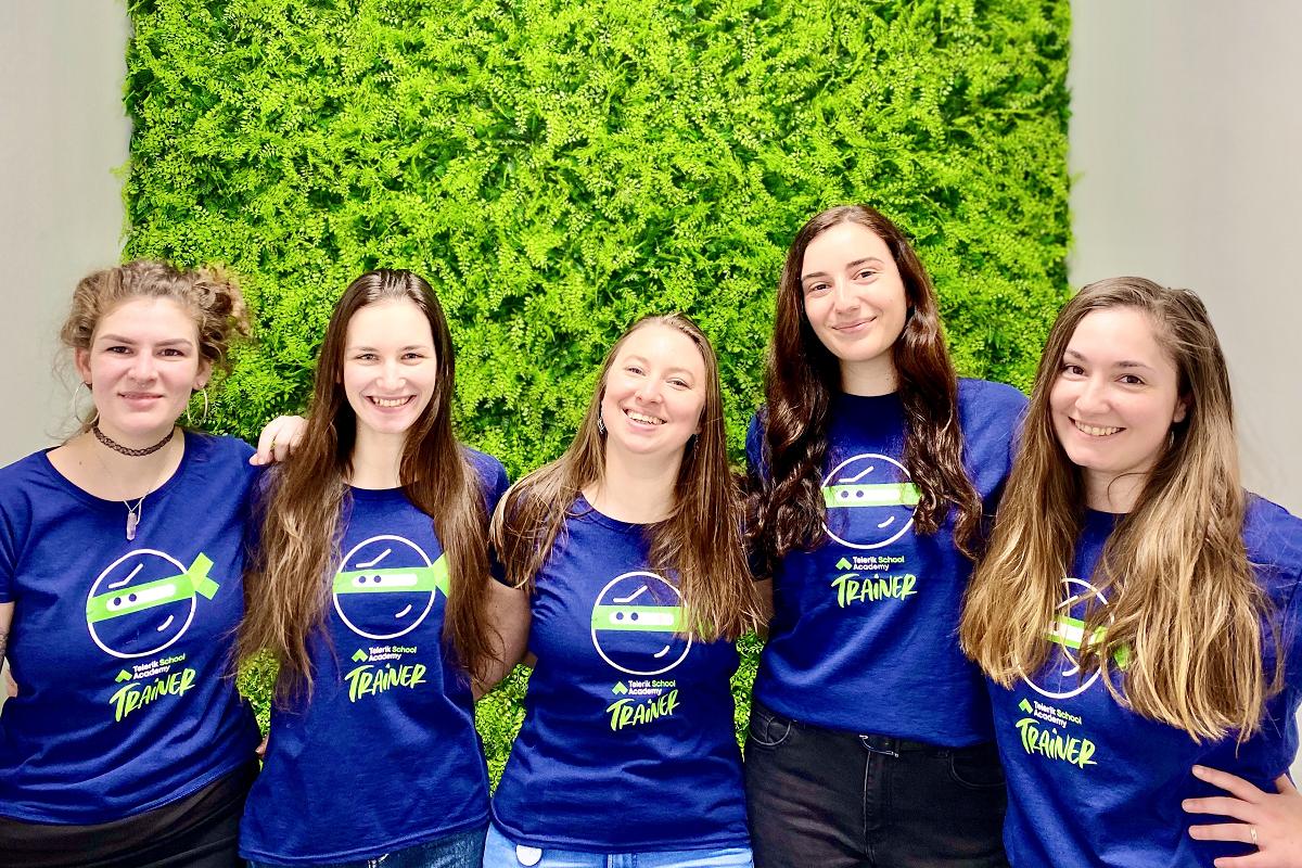 Женската част от екипа на Училищна Телерик Академия